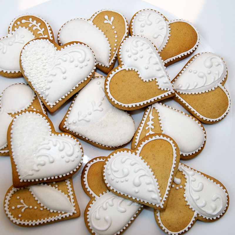 wedding heart bisquits, valentines bisquits