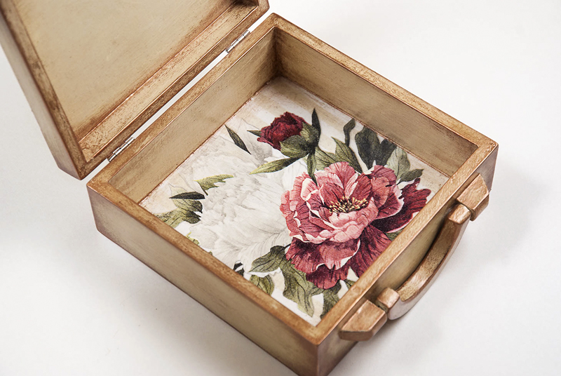 Wooden jewelry box - briefcase with peony